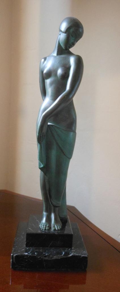 Fay al Statue
